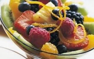 Salade de fruits au vin rouge