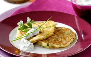 Courgette blini met kruidenroom