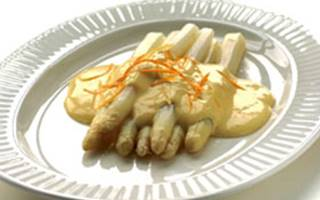 Asperges sauce hollandaise à l'orange