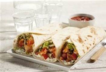Wrap met roomkaas, salsa  en kalkoenfilet