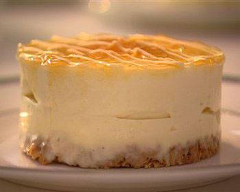 amaretti-laden mascarpone cheesecakes