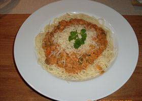 Romige spaghettisaus à la Véronique.