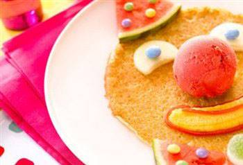 Clownpannenkoek met fruit